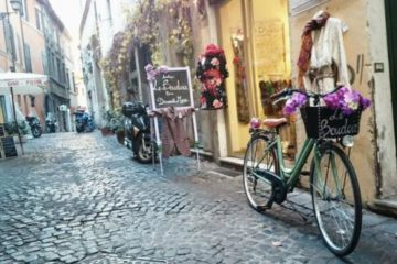 Die Schönheit der Gassen und Gänge in der historischen Altstadt