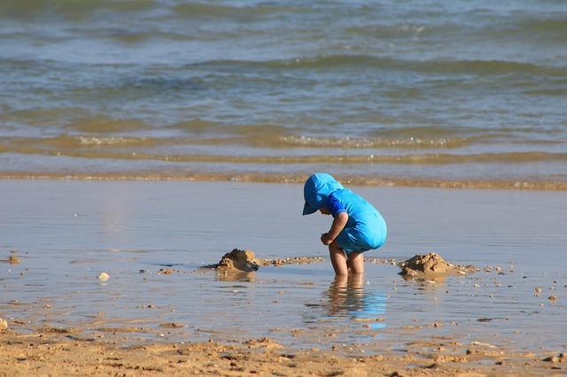 Kinder bewegen sich im Sommer die meiste Zeit im Freien